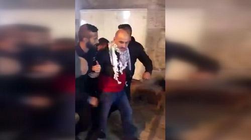 İsrail polisinin iki Türk'ü gözaltına aldığı esnadaki yeni görüntüler