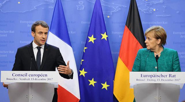 Merkelden Avrupa Birliği reformlarına destek