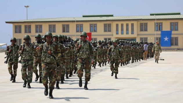 Mogadişudaki Türk askeri eğitim merkezi ilk mezunlarını verdi