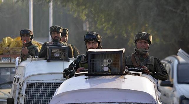 Pakistan-Hindistan sınırında çatışma: 3 Pakistan askeri öldü