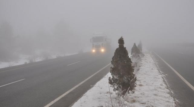 Kastamonuda yoğun sis ulaşımı olumsuz etkiledi