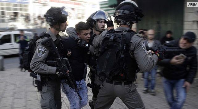 İsrail askerleri 14 Filistinliyi gözaltına aldı