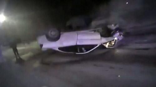 ABD'de iki polis yanan araçtaki gençleri böyle kurtardı