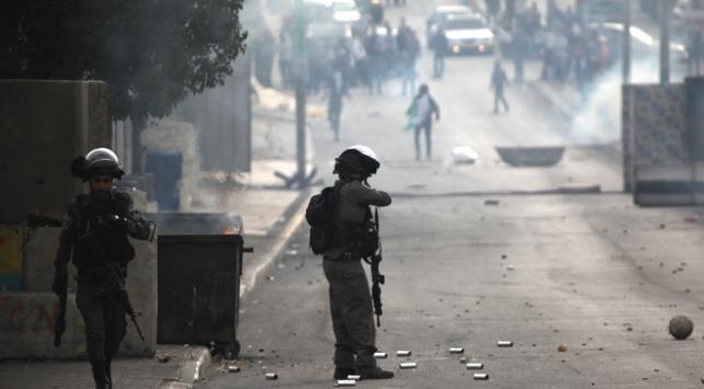 İsrail askerleri Batı Şeria ve Gazze sınırında 92 Filistinliyi yaraladı