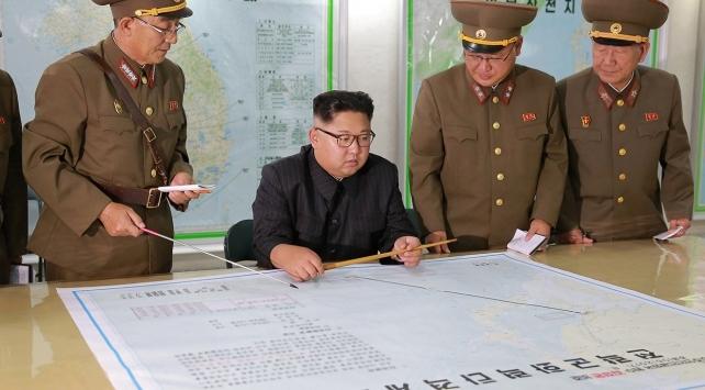 Kuzey Kore lideri Kim Jong-un: Nükleer silah butonu daima masamın üzerinde
