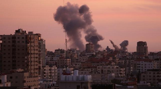 İsrail savaş uçaklarından Gazzeye hava saldırısı