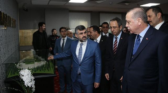Cumhurbaşkanı Erdoğandan Sultanbeyli Belediyesine ziyaret