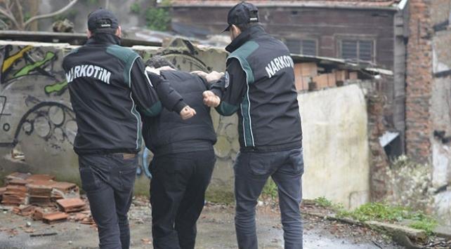 Polis sokakta uyuşturucu satanlara göz açtırmıyor: 165 gözaltı