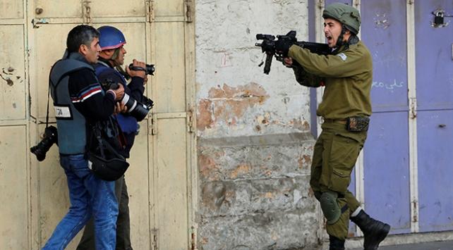 Filistinli gazetecilere 1 yılda 909 ihlal