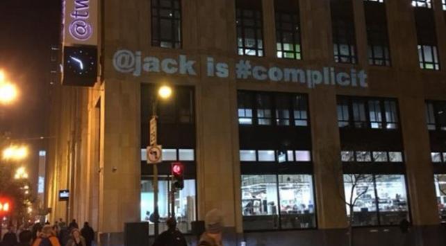 ABD Başkanı Donald Trumpın mesajının ardından Twittera mesajlı protesto