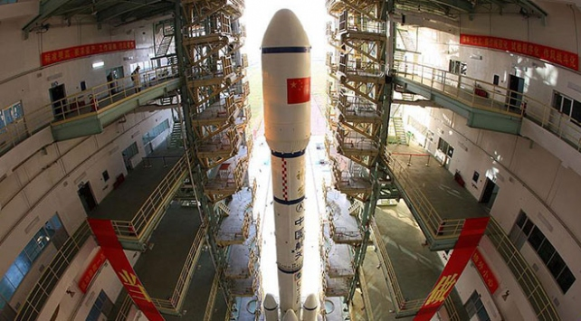 Çin uzaya tek taşıyıcı roketle iki navigasyon uydusu fırlattı
