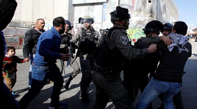 İsrail askerlerinden Batı Şeria ve Gazzedeki gösterilere müdahale