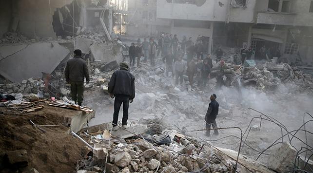 Esed rejiminin Doğu Gutaya hava ve kara saldırıları devam ediyor