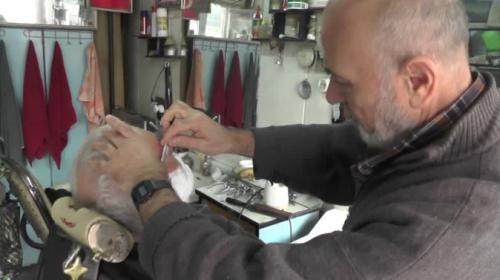 Manisada 70 yıllık berber dükkanı