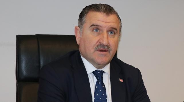 Gençlik ve Spor Bakanı Osman Aşkın Bak: Milletin gücü tankın gücünü yenmiştir