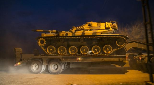 Sınıra gönderilen tanklar Reyhanlıya ulaştı