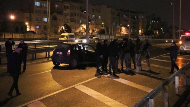 İstanbul Fatihte dur ihtarına uymayan araç ateş açılarak durduruldu