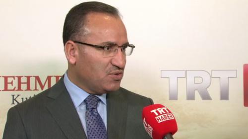 Başbakan Yardımcısı Bekir Bozdağ: Üzeri örtülmüş büyük bir zaferi TRT ekrana taşıyor