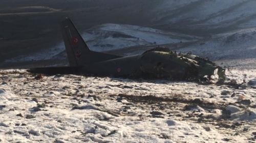 Ispartada düşen askeri uçağın enkazına ulaşıldı