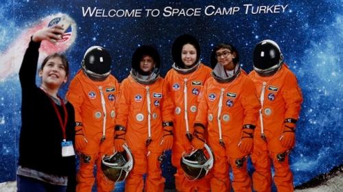 İzmirdeki uzay kampına yoğun ilgi