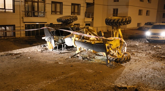 Ankarada iş makinesi devrildi: 1i ağır 3 kişi yaralı