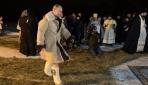 Rusya Devlet Başkanı Putin, Ortodoks Noelini buzlu suya girerek kutladı