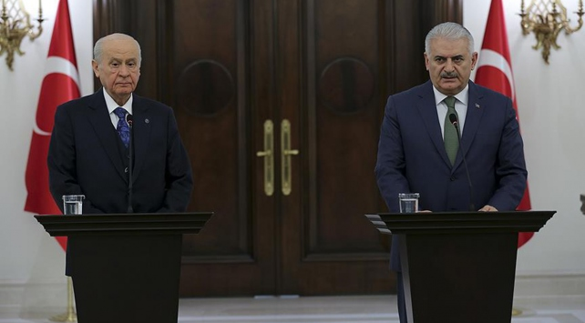 Başbakan Yıldırım ile Bahçeliden ortak Afrin operasyonu açıklaması