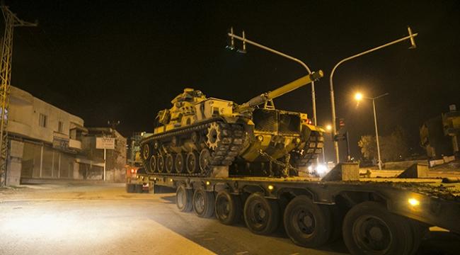 Sınır hattına askeri sevkiyat gece boyu sürdü