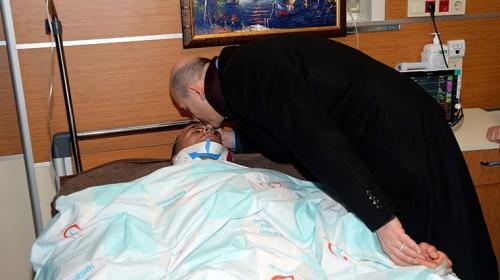 Bakan Süleyman Soyludan yaralı askerlere ziyaret