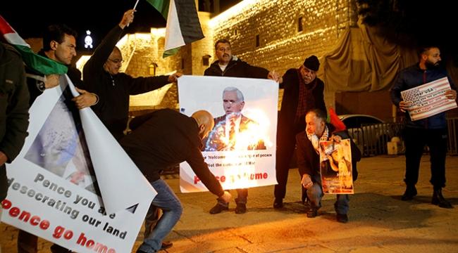 Filistinliler ABD Başkan Yardımcısı Mike Pencein İsrail ziyaretini protesto etti