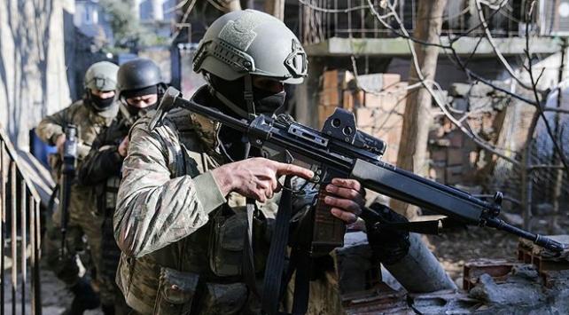 Hakkaride terör operasyonu: 2 terörist etkisiz hale getirildi