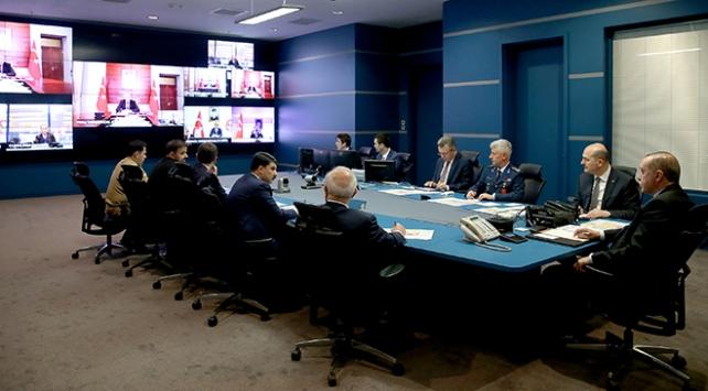 Cumhurbaşkanı Erdoğan Zeytin Dalı Harekatını komuta merkezinde denetledi