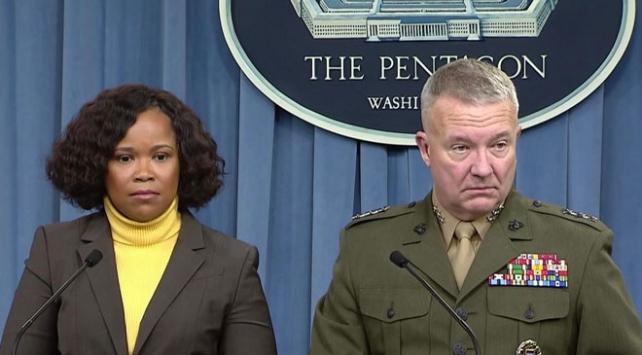 Kenneth Mckenzie ve Pentagon sözcüsü Dana White ile ilgili görsel sonucu