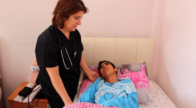 Mehmetçikin Afrinde kurtardığı engelli kadın yeni yuvasına kavuştu