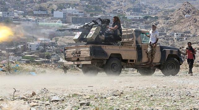 Yemen hükümeti Adeni kaybetme tehdidiyle karşı karşıya