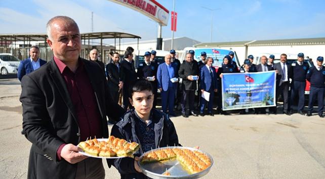 """Zeytin Dalı Harekatına katılan Mehmetçike """"tatlı"""" destek"""