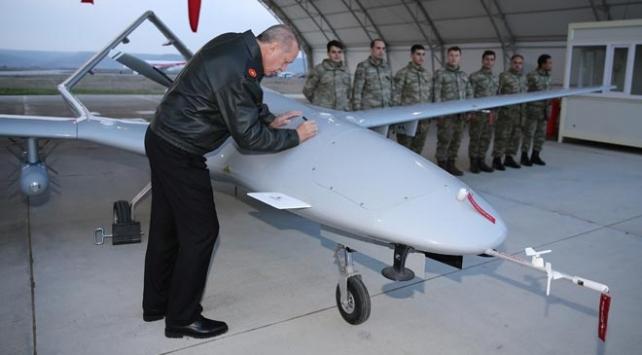 Cumhurbaşkanı Erdoğan, Bayraktar SİHAya imzasını attı