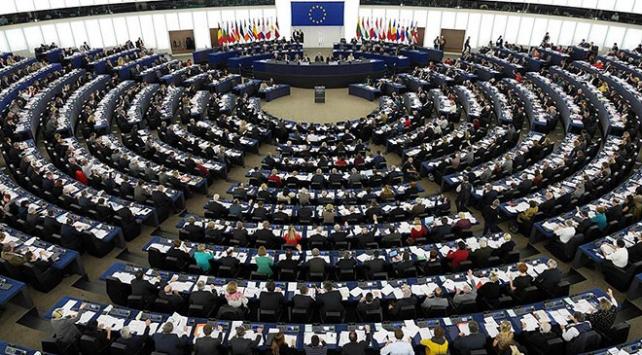 Avrupa Parlamentosundan Sisi yönetimine kınama