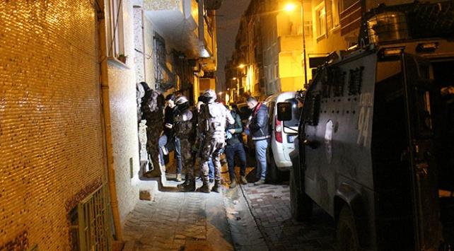 İstanbulda uyuşturucu tacirlerine eş zamanlı operasyon