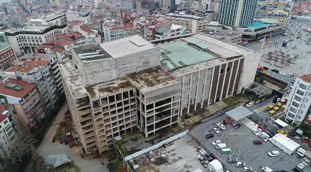 Atatürk Kültür Merkezinin (AKM) yıkımına başlandı