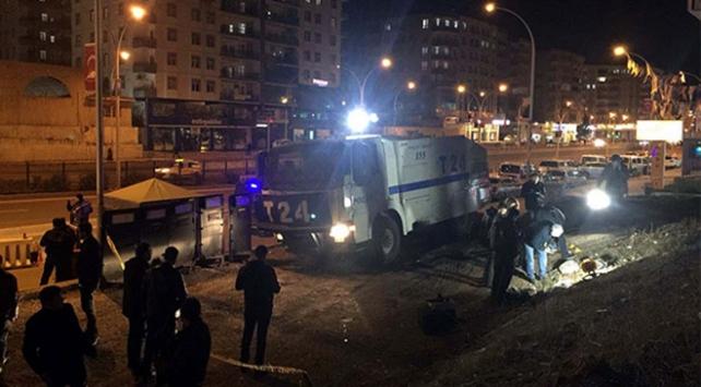 Diyarbakırda polis noktasına el yapımı patlayıcı ile saldırı