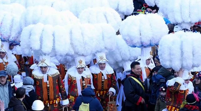 """Belçikada """"Binche Karnavalı"""" kutlandı"""