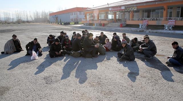 Kırklarelinde 17 kaçak ve sığınmacı yakalandı