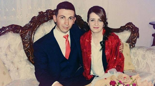 El Babta görevde olan asker eşinin Sevgililer Gününü kutladı