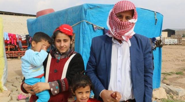 YPG/PKKlılar Suriyede evleri arayarak gençleri alıp zorla götürüyor
