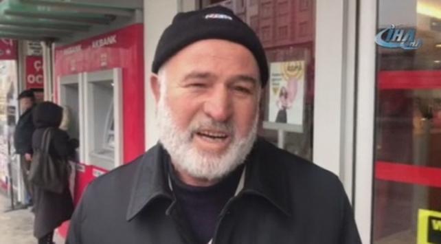 Emekli maaşının yarısını Mehmetçiğe gönderdi