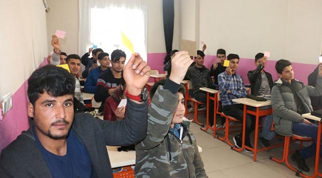 Öğrencilerden Mehmetçiklere yürek ısıtan yardım
