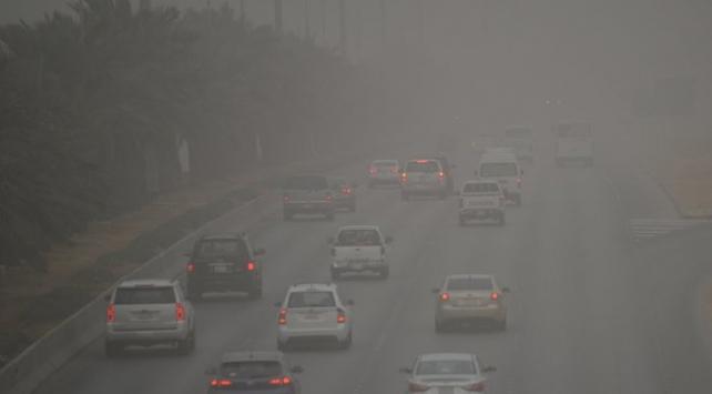 Suudi Arabistanı toz fırtınası vurdu