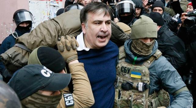 Ukraynadan sınır dışı edilen Saakaşvili Hollandaya yerleşti