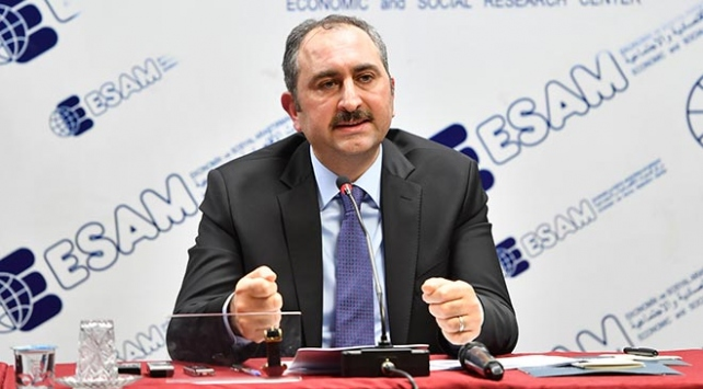 Adalet Bakanı Abdulhamit Gülden FETÖ sanıklarına tepki